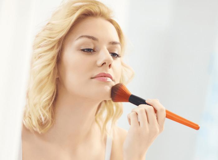 Что должно быть в косметичке летом – советы экспертов 8